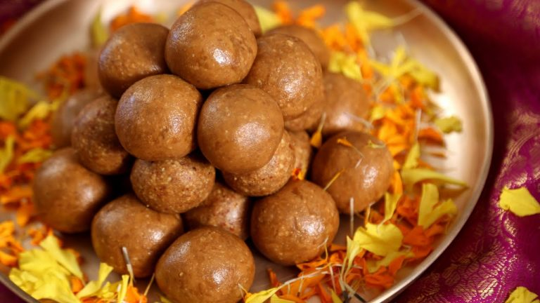 Peanut And Jaggery Laddu Without Ghee: Recipe Video